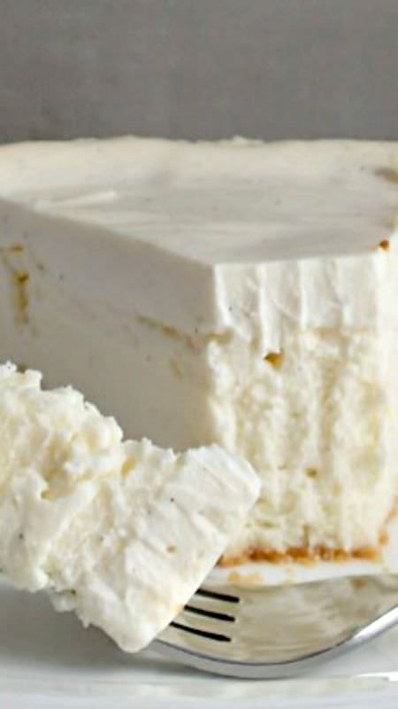 Isn't it a pleasure to make and eat a delicious cheesecake? Here's a perfect mouth craving recipe. Check out!