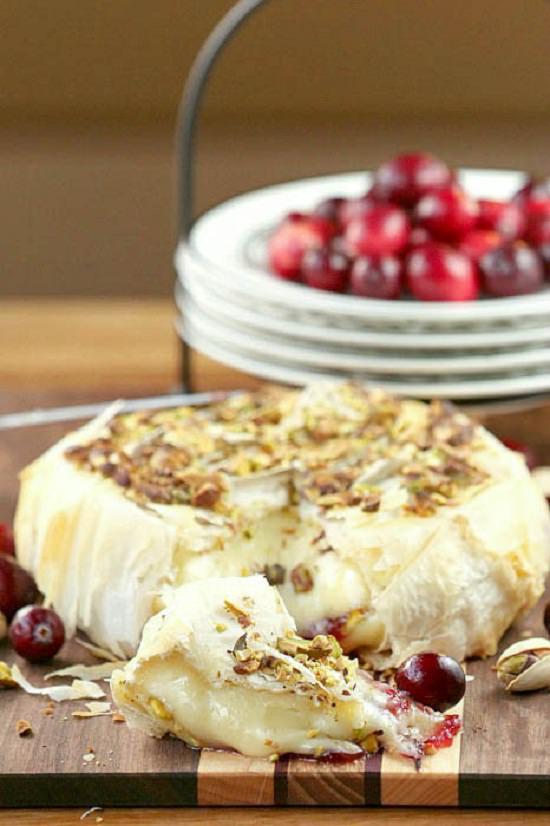 healthy-cranberry-pistachio-brie-0728