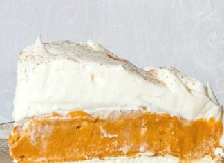Want a quick pumpkin pie alternative? Make this delicious no-bake triple layer pumpkin pie! Its unforgettable taste will leave you asking for more.